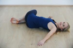 vaje-za-hujsanje_detox_mokini-yoga_zalozba-chiarazasuk-4